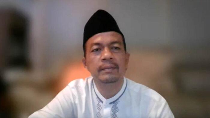 Ust. H. Agus Maulana, Ketua Umum FORBIS IKPM Gontor memberi sambutan
