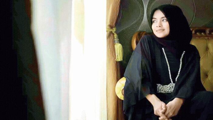 Rima Zuraida adalah Seorang Desainer Fashion Lahirkan Brand Falasifa