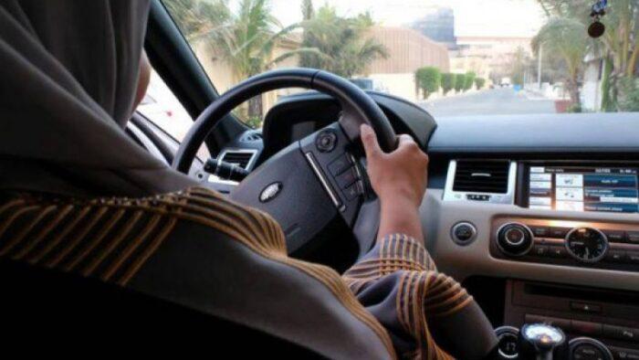 Apa Pendapat Kibar Ulama Saudi Tentang Wanita Menyetir Mobil?