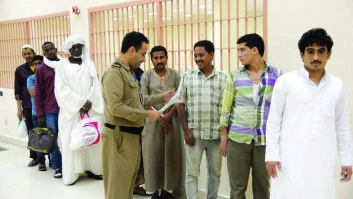 Dalam 5 Bulan: 250 Ribu Ekspatriat Terjaring Razia Pelanggaran Izin Tinggal, 54 Ribu Dideportasi