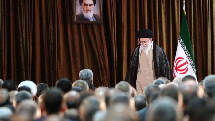 Menebak Akhir Drama di Iran