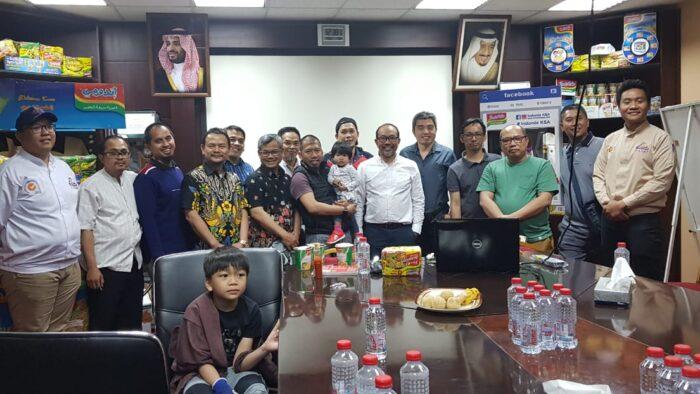 Kunjungan Masyarakat Indonesia ke Pabrik Indomie di Arab Saudi