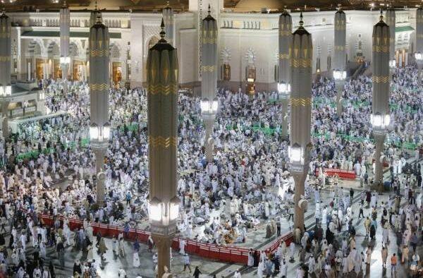 Malam Pertama 10 Akhir Ramadan: 3,2 Juta Orang Mengikuti Sholat Taraweh di Masjid Nabawi