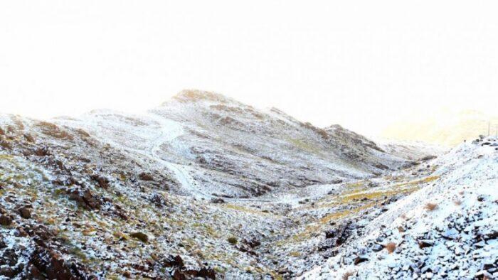 Hujan Salju di Jabal al-Lawz, Utara Madinah al-Munawwarah