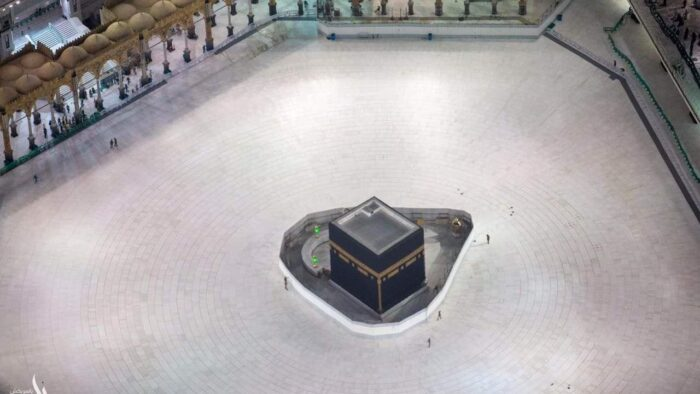 Mulai Jum'at, Masjidil Haram Makkah dan Masjid Nabawi Ditutup Untuk Shalat