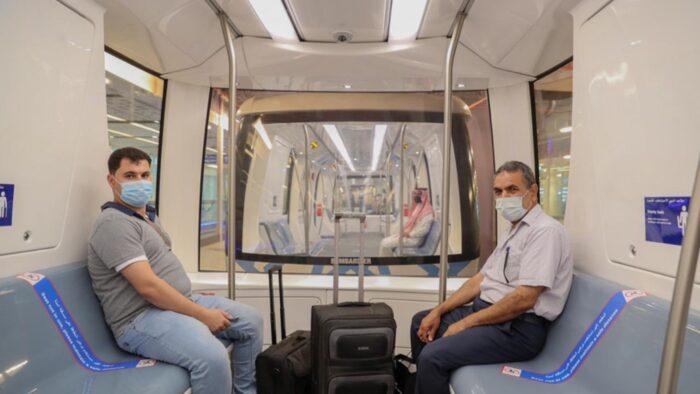 Kereta Pengangkut Penumpang di Bandara Jeddah Mulai Beroperasi