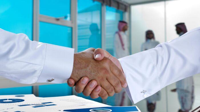 Hari Libur Bagi Karyawan Swasta dan Pegawai Negeri di Arab Saudi