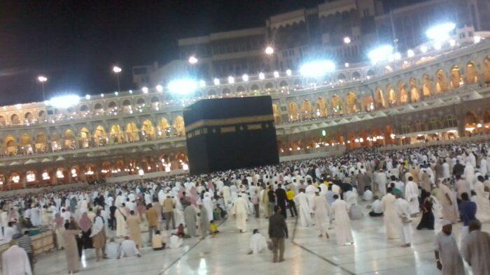 Arab Saudi Buka Kembali Aktivitas Umrah Secara Bertahap