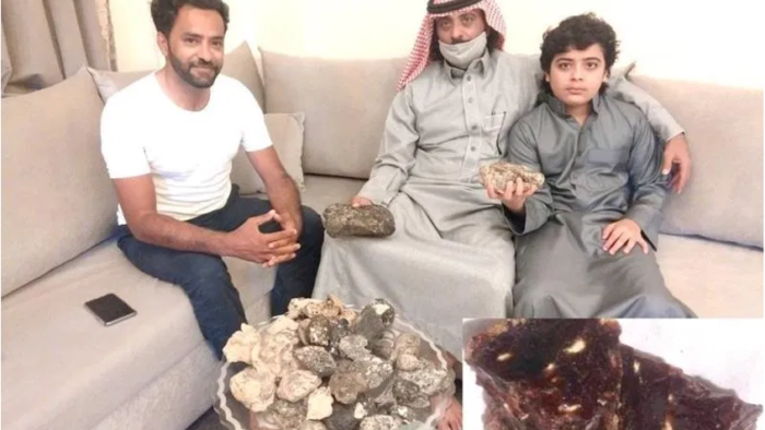 Anak Saudi Temukan Harta Karun Mengambang di Pantai Tabuk