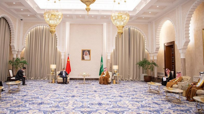 Putra Mahkota Saudi Diskusikan Kerja Sama Dengan Menlu Cina