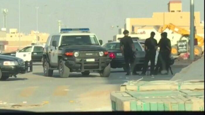 73 Ponsel dan 35 Juta Reyal: Hasil Penggerebekan Jaringan Penipu di Riyadh