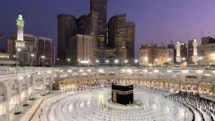 Citra Mekkah ke Dunia: Jamaah Shalat Masjidil Haram Mengesankan Keteraturan dan Akurasi