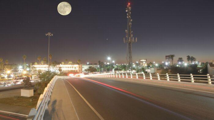 Falakiyah Jeddah: Supermoon Akan Tampak di Langit Arab Saudi dan Dunia Arab Pada Hari Rabu