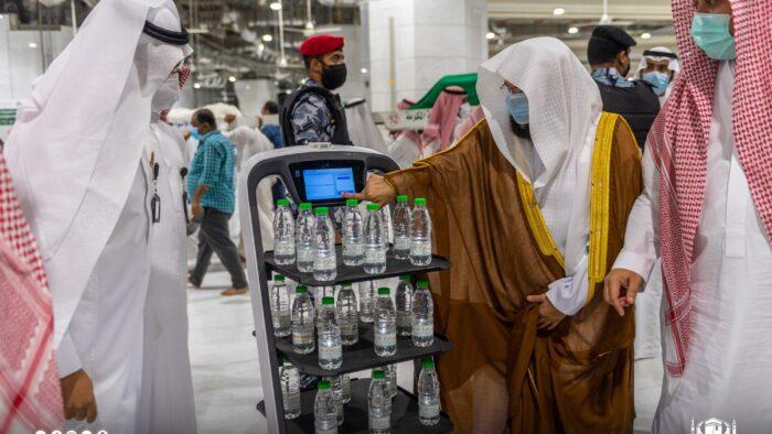 Syaikh Sudais Resmikan Robot Pintar Untuk Distribusi Air Zamzam